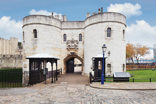 tower of london, dulux, dulux trade