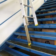 Stairmaster staircase ladder leveller painting and - Ladders for decorating stairs ...