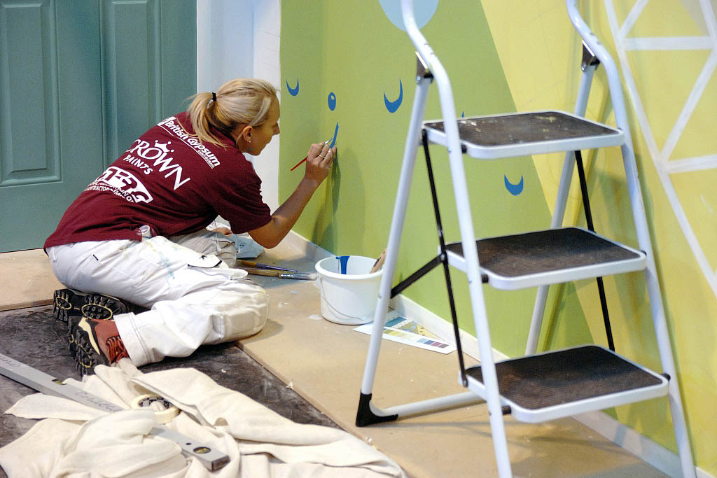 Http Www Paintinganddecoratingnews Co Uk Decorating Industry Apprentice Decorator Of 2013 Crowned