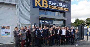 mayor-sarfaz-anjum-opens-the-kb-saffron-walden-branch