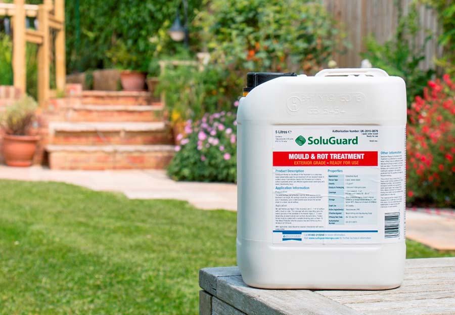 Stop to outdoor wood mould and rot with soluguard - Exterior wood treatment products ...